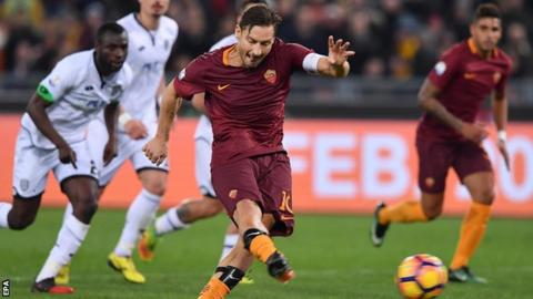 Francesco Totti scores penalty