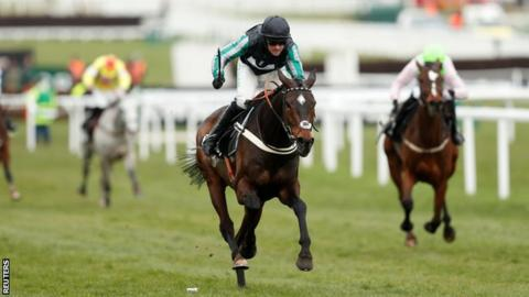 Altior on his way to victory