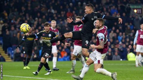 Jesus rankings twice as champions Man Metropolis hammer Burnley thumbnail
