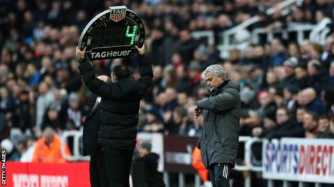 Rule-makers to propose end of EPL time-wasting substitutions