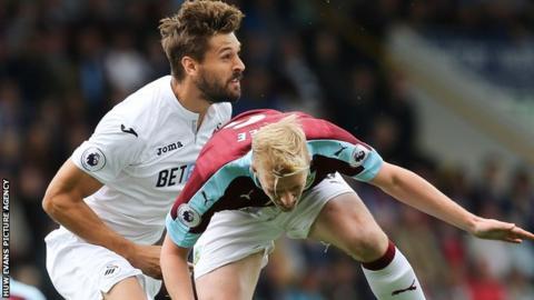Fernando Llorente in action against Burnley