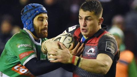 Edinburgh winger Damien Hoyland (right)