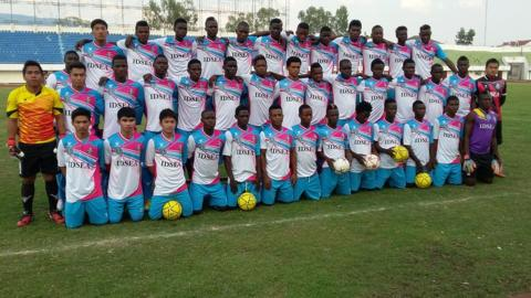 A Champasak team photo of with 30+ Africans and just 5-6 Laotians)