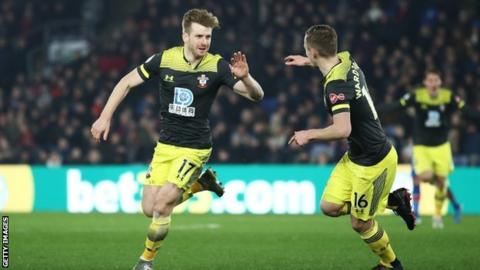 Crystal Palace 0-2 Southampton: Saints secure fourth successive away league win