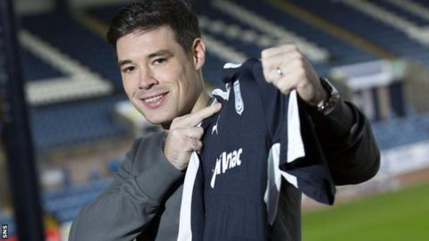 Darren O'Dea with his Dundee shirt