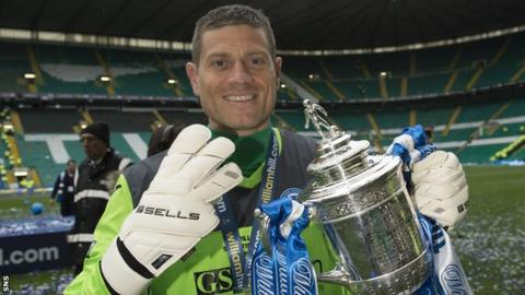 Steve Banks with the Scottish Cup after St Johnstone's 2014 win