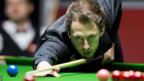 Judd Trump plays a pot at the Scottish Open