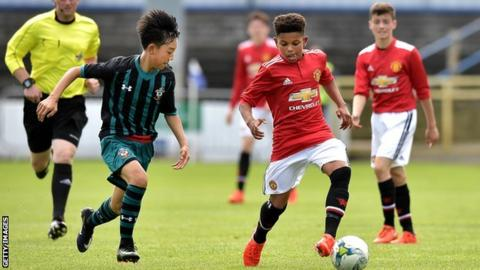 14-year old starlet of Nigerian descent makes history with Manchester United