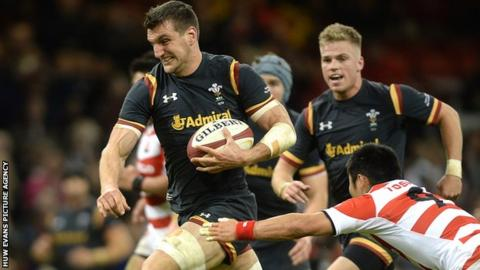 Sam Warburton on the charge for Wales against Japan