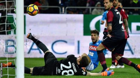 Sarri: Napoli nearly flawless in Cagliari rout