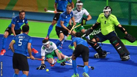 Argentina on the attack against Ireland in the crucial Pool B clash