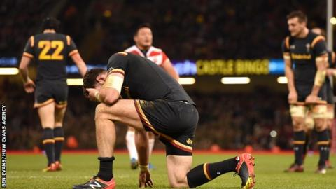 Alex Cuthbert shows his frustration during Wales' 33-30 win over Japan