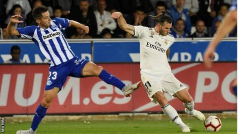 Wales forward Gareth Bale was replaced in the 80th minute of Real Madrid's loss at Alaves