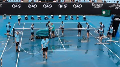 Karolina Pliskova through to Aussie third round despite 'ugly match'