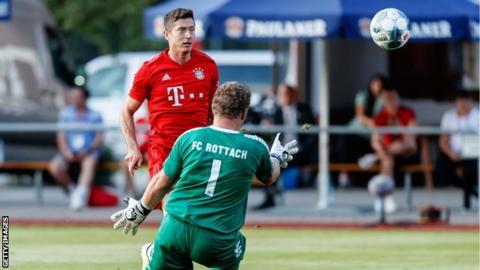 Robert Lewandowski scores for Bayern