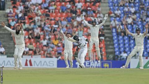 England appeal for lbw against Sri Lanka batsman Angelo Mathews on day four of the second Test
