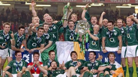 Ireland celebrate their 2009 Grand Slam triumph after defeating Wales in Cardiff