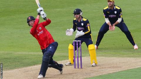 Tom Westley batting against Hampshire