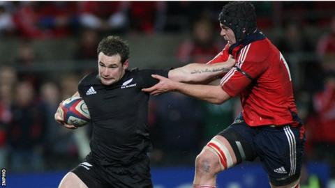 Munster sign All Black Alby Mathewson to cover injured Conor Murray