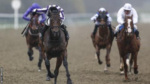 Victory Bond wins the Lingfield Betway Easter Classic