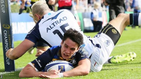 Joey Carbery scores Leinster's first try against Montpellier