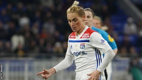 Jess Fishlock in action for Lyon