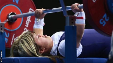 GB powerlifter Zoe Newson