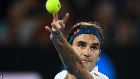 Roger Federer asked for ID by Australian Open security guard