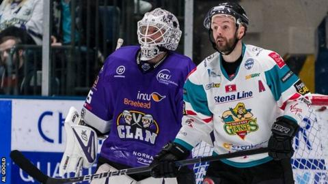 Colin Shields (right) in action for Belfast in Glasgow