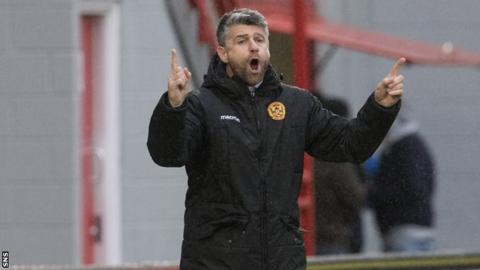 Motherwell manager Stevie Robinson
