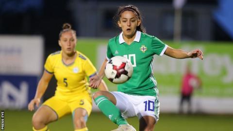 Louise McDaniel: NI midfielder signs for Blackburn Rovers