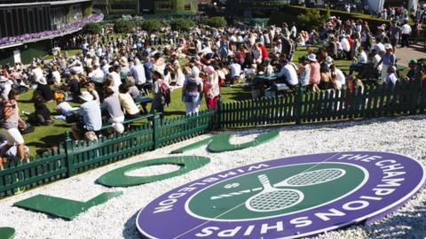 Wimbledon Keeps a Stiff Upper Lip as Football Fever Grips England