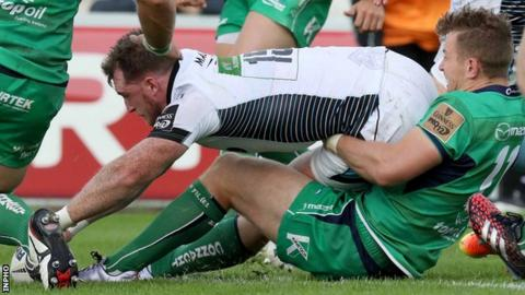 Stuart Hogg touches down Glasgow's third try against Connacht