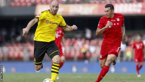 Borussia Dortmund and Bayern Munich in action