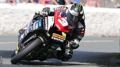 Michael Dunlop has dominated this week's Superbike races at the Southern 100