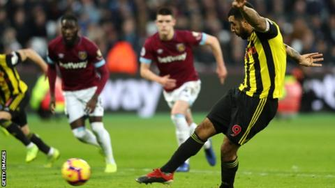 650a9cad3f4917 West Ham United 0-2 Watford  Deeney penalty helps end Hammers ...