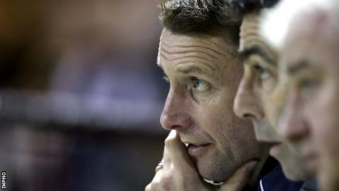 Ian Baraclough (left) in the Sligo dugout with Gary Stevens