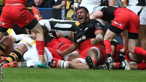 Mako Vunipola celebrates as Wasps are awarded a penalty try