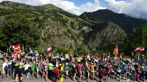 Riders hit by tear gas on Tour de France
