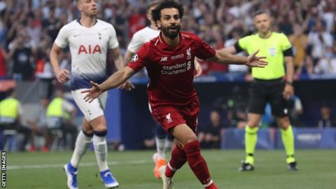 Samuel Eto'o urges Mohamed Salah to join Barcelona