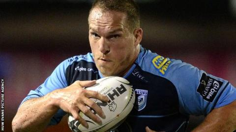 Gethin Jenkins in action for Cardiff Blues