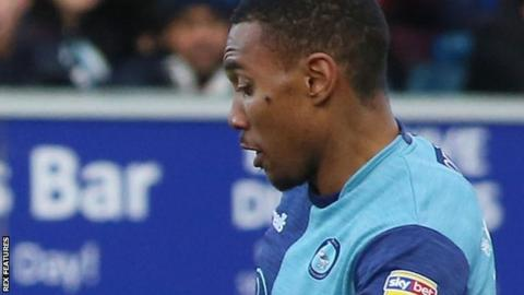 Darius Charles in action for Wycombe