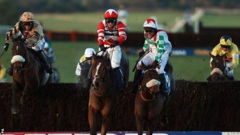 2013 Welsh National winner Mountainous (right, foreground)