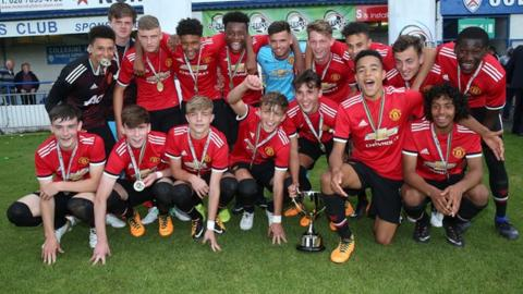 Manchester United celebrate winning the 2017 Super Cup NI Challenge Cup