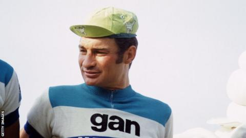 Raymond Poulidor: French cycling icon dies aged 83