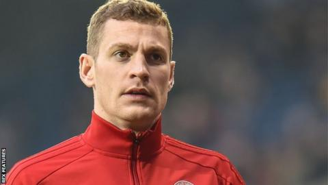Paul Coutts: Fleetwood Town sign ex-Sheffield United midfielder on two-year deal