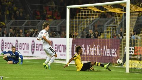 "Borussia Dortmund""s Pierre-Emerick Aubameyang puts his side ahead against Freiburg"