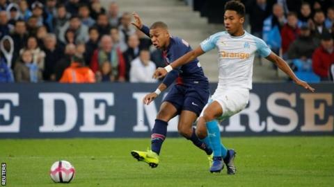 PSG's Neymar wants Marseille, bottle-throwing fans to be punished by league