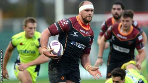 Dragons lock Rynard Landman