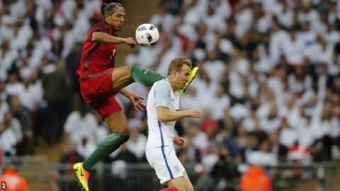 Harry Kane chose not to react to a boot in the head by Bruno Alve